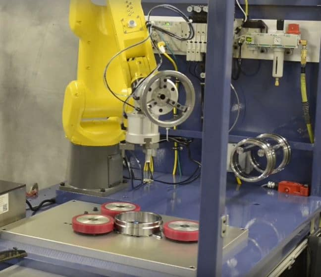 Fanuc robot used for transmission eddy current inspection system